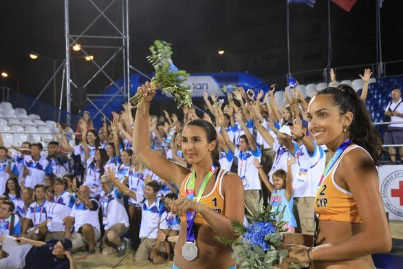 """Μαριώτα Αγγελοπούλου - Η """"ιέρεια"""" της άμμου που επέστρεψε στην Πάτρα για την Παναχαϊκή και το beach volley"""