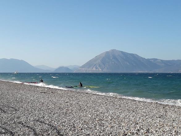 Πλαζ - Με τον βοριά του φθινοπώρου, βόλτα στη θάλασσα (φωτο)