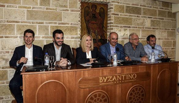 """Φώφη Γεννηματά από Πάτρα: """"H κυβέρνηση δεν έχει ολοκληρωμένο σχέδιο για την οικονομία"""""""