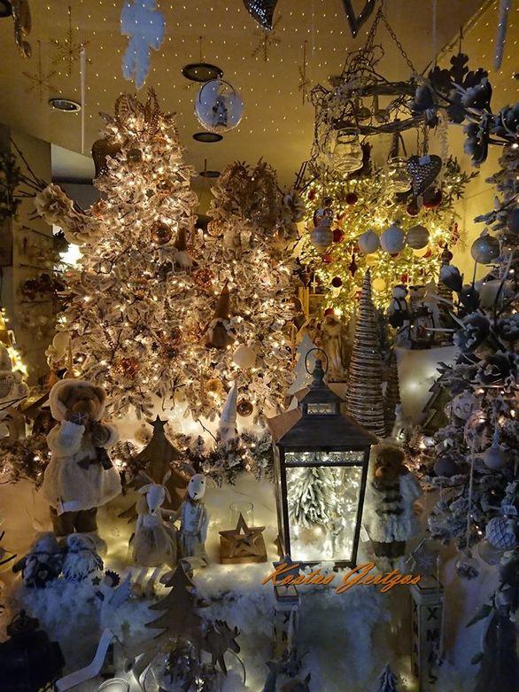 """""""Μύρισαν"""" Χριστούγεννα στην Πάτρα (φωτο)"""