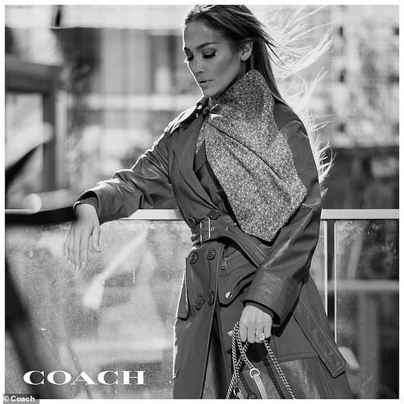 Η Jennifer Lopez πρωταγωνιστεί στη νέα καμπάνια του brand Coach! (φωτο)