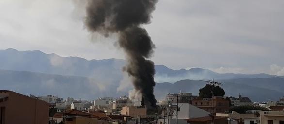 Φωτιά κατέστρεψε ολοσχερώς καφετέρια στο κέντρο των Χανίων (φωτο)