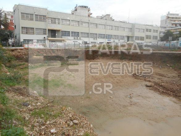 Πάτρα: Βούρκος έχει γίνει το σκάμμα των ανασκαφών στο προαύλιο Τεμπονέρα (φωτό)