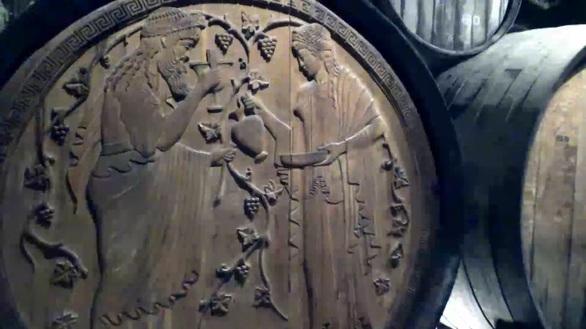 Πάτρα - Στα παλαιά βαρέλια και στους χώρους της Achaia Clauss (pics+video)