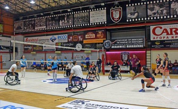 Πάτρα - Οι παίκτες του Ήφαιστου αγωνίστηκαν ως αθλητές βόλεϊ με το αμαξίδιο (φωτο)