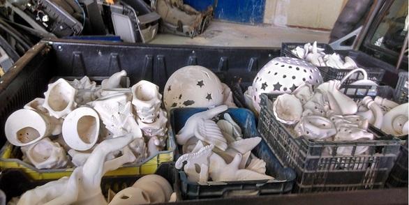 Πάτρα - Το Εικαστικό Εργαστήρι, παρέλαβε δεκάδες κεραμικά! (φωτο)