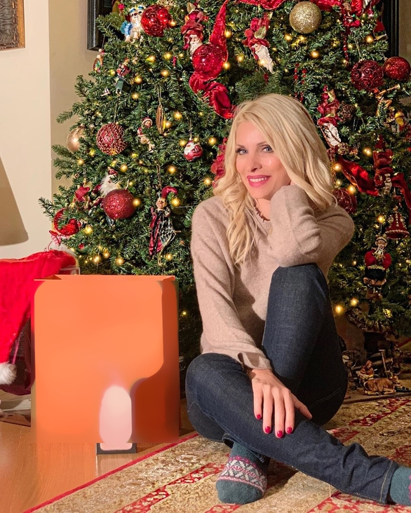 Η Ελένη Μενεγάκη στόλισε το χριστουγεννιάτικο δέντρο της