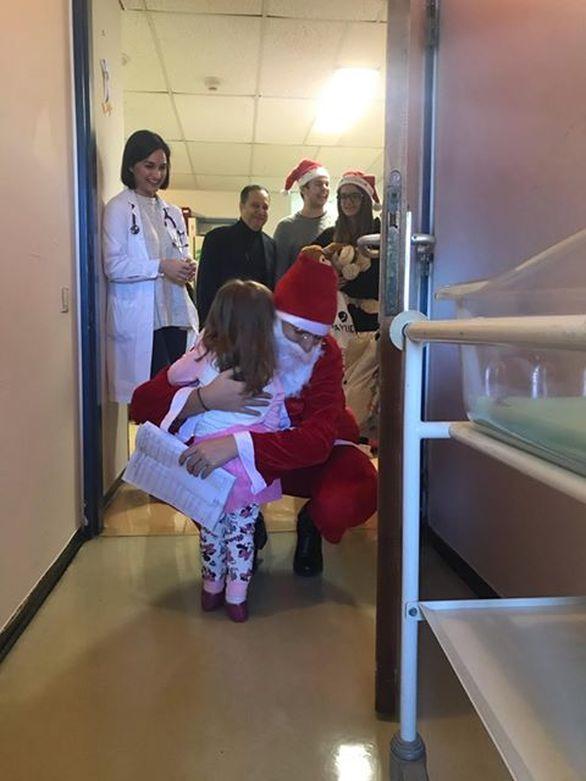 Πάτρα - Πρόσφεραν παιχνίδια, στα παιδιά που νοσηλεύονται στην Παιδιατρική Κλινική του ΠΓΝΠ!