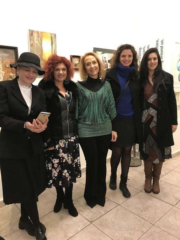 """Πάτρα: Mε επιτυχία τα εγκαίνια της έκθεσης """"Μοιραζόμαστε την τέχνη..."""" στην Γκαλερί Cube (φωτο)"""