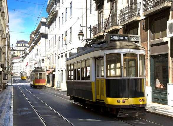 Σκεφτείτε μια άλλη Πάτρα - Τραμ για τις σκάλες της Αγίου Νικολάου, mini bus για την άνω πόλη