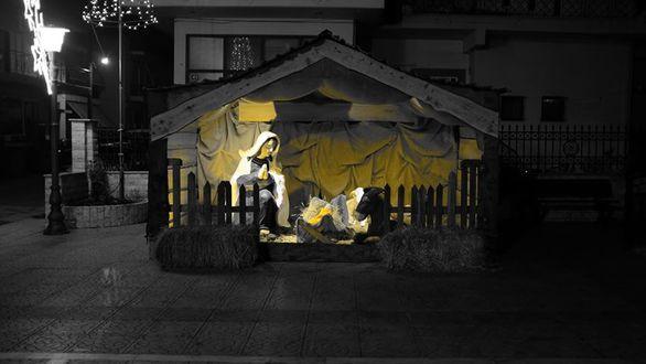 Πάτρα: Kατασκευάστηκε η φάτνη του Ιερού Ναού Αγίων Θεοδώρων Δεμενίκων (φωτο)