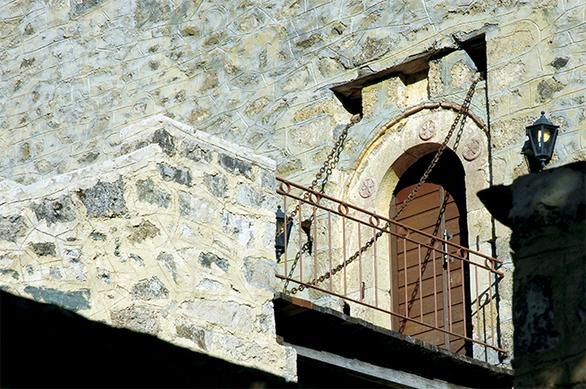 Ζαρούχλα - Η αρχόντισσα του Χελμού που όσο τη γνωρίζεις τόσο την ερωτεύεσαι (φωτο)