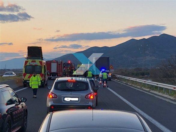 Κομοτηνή: Τραγικό δυστύχημα με δύο νεκρούς - ΙΧ συγκρούστηκε με νταλίκα