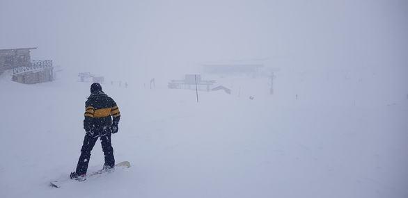 "O Ηφαιστίων ""φούσκωσε"" με χιόνι το Χιονοδρομικό Κέντρο Καλαβρύτων (φωτο)"