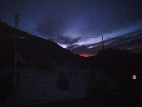 Όταν ο ουρανός μουχρώνει στα χιονισμένα Καλάβρυτα