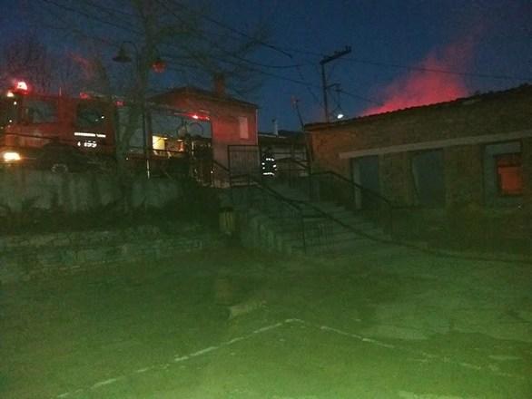 Σχολείο στα Γρεβενά καταστράφηκε ολοσχερώς από φωτιά (φωτο)