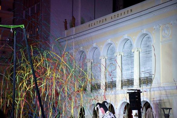 """Πάτρα: Σκοτείνιασε η πλατεία Γεωργίου για να φωτιστεί το """"Απόλλων"""" (pics)"""
