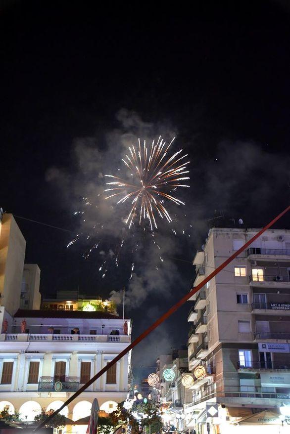 Δείτε τα πυροτεχνήματα της τελετής έναρξης του Πατρινού Καρναβαλιού (φωτο)