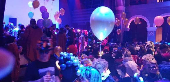 Χαμός στο καρναβαλικό πάρτι των πληρωμάτων τη νύχτα της τελετής έναρξης (pics)