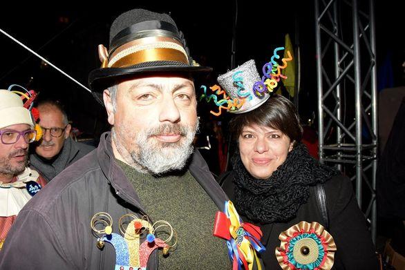 Ο πρώην πρόεδρος του Καρναβαλικού Οργανισμού Νίκος Χρυσοβιτσάνος με τη σύζυγό του Κατερίνα