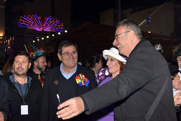Ο αντιδήμαρχος Παιδείας Τάκης Πετρόπουλος με τον Κώστα Πελετίδη και την Ήρα Κουρή