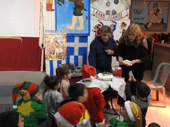 Πάτρα: Οι μικροί καραγκιοζοπαίχτες έκοψαν την πίτα τους(φωτο)