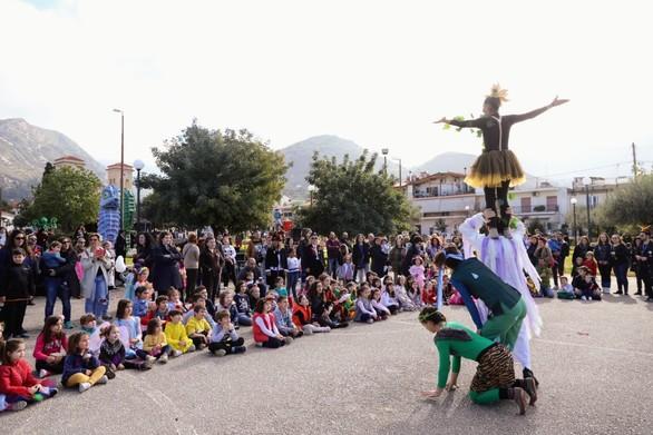Πάτρα - Η Καρναβαλούπολη γέμισε με παιδικές φωνές και γέλια (φωτο)