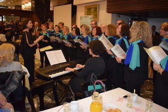 Στην πίτα του Παμμεσσηνιακού Συνδέσμου Πατρών και Αντωνοπούλειου Ιδρύματος η χορωδία της ΚοινοΤοπίας! (φωτο)