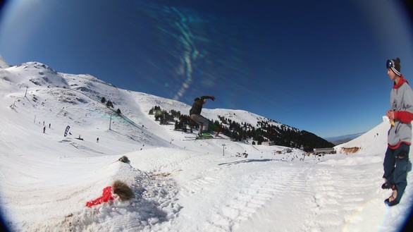 16+1 εντυπωσιακές φωτογραφίες από το snowpark στο Χιονοδρομικό!