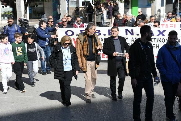 Πάτρα: O Κώστας Πελετίδης στην απεργιακή κινητοποίηση (φωτο)