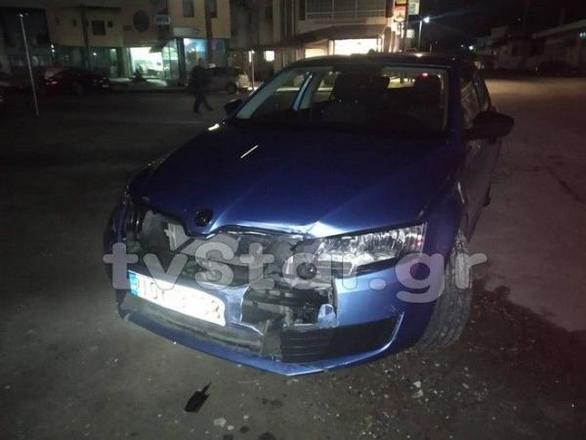 Σοβαρό τροχαίο στο Αλιβέρι - Αυτοκίνητα έπεσαν πάνω σε παιδιά μετά από σύγκρουση