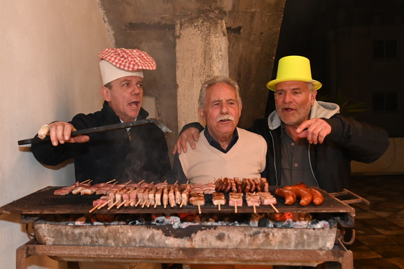 Πάτρα: Mε επιτυχία η γιορτή της Τσικνοπέμπτης στην Πολυφωνική (φωτο)
