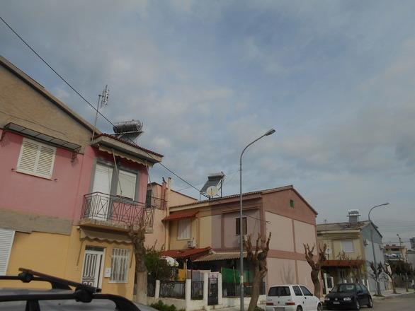 Πάτρα: Όλα στο μηδέν για τον αμίαντο στις εργατικές κατοικίες του Αγίου Νεκταρίου
