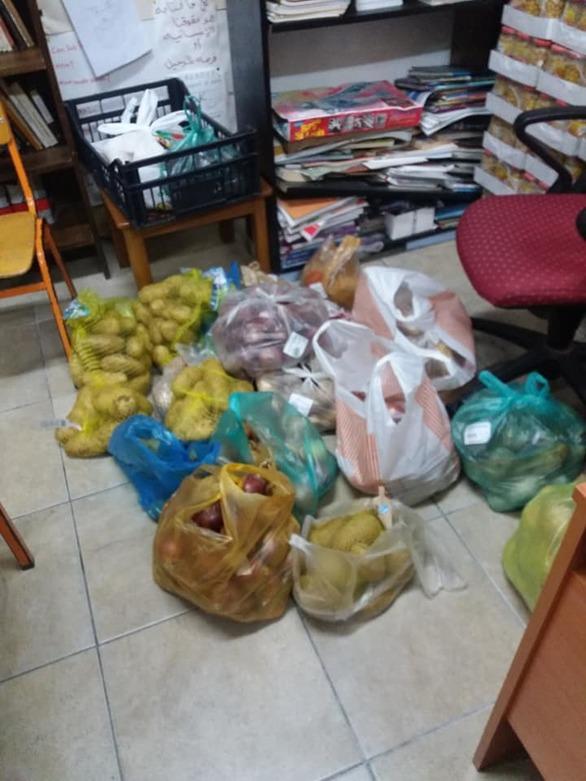 Πάτρα: Η αλληλεγγύη δεν μπαίνει σε καραντίνα - 50 σακούλες τρόφιμα μοιράστηκαν σε 22 σπίτια