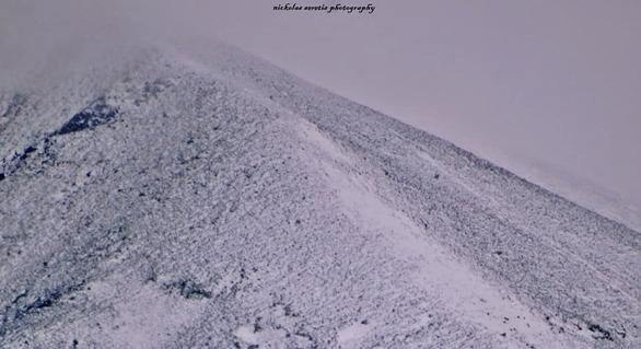 """Ο """"ξανθός"""" Απρίλης είναι ακόμα...""""άσπρος"""" - Χιόνια στο Παναχαϊκό (φωτο)"""