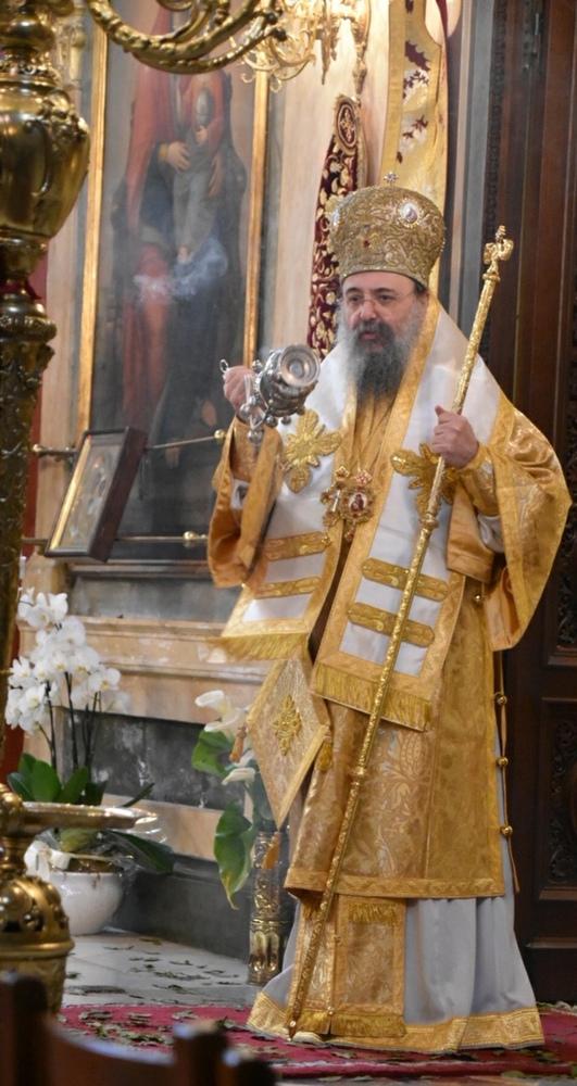 Κεκλεισμένων των θυρών, οι Ιερές Ακολουθίες στη Μητρόπολη Πατρών - Δείτε φωτογραφίες
