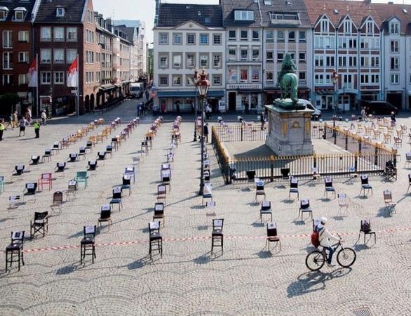 """Empty chairs"" και στην Πάτρα - Η εστίαση διαμαρτύρεται συμβολικά στις 6 Μαΐου"