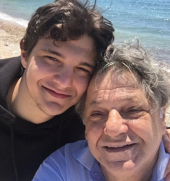 Γιώργος Παρτσαλάκης: Η φωτογραφία με το γιο του μετά την περιπέτεια υγείας του