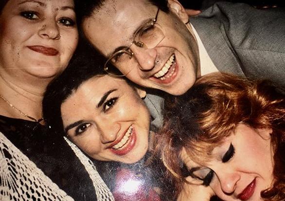 """Τζόυς Ευείδη - Η... ρετρό φωτογραφία μετά από γύρισμα από τους """"Μεν και Δεν"""""""