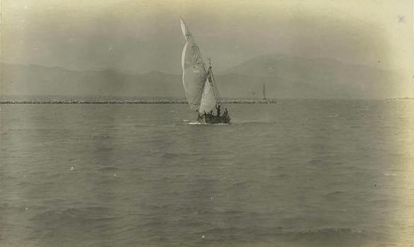 29 Μαΐου 1903 - Βάρκα εισέρχεται στο λιμάνι της Πάτρας!