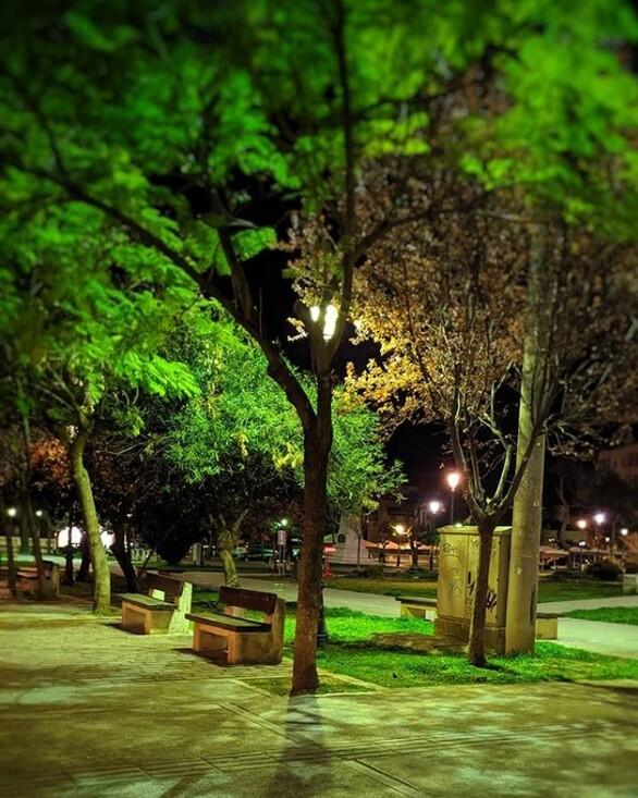 Ποιος μπορεί να μην πάει έστω και μια φορά καλοκαιράκι στην πράσινη πλατεία της Πάτρας. Σε ένα μέρος που σε κάνει να ξεχνάς σχετικά το τσιμέντο της πόλης οι επιλογές της είναι πολλές, κυρίως για όσους αναζητούν την ηρεμία. {φωτο-bigi_oninsta}