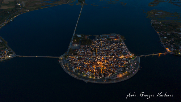Μαγικές εικόνες - Το Αιτωλικό, βράδυ από ψηλά!