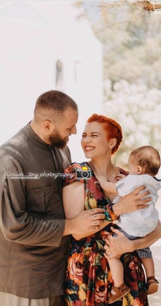 Η Πέννυ Μπαλτατζή βάπτισε τον 8 μηνών γιο της! (φωτο)
