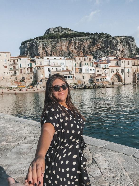 """Το λέει ένα κορίτσι που γυρίζει τον κόσμο: """"Η Ελλάδα είναι η ομορφότερη χώρα για να ζεις!"""""""