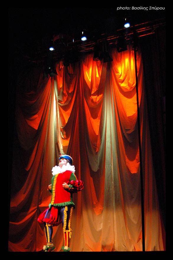 """Πάτρα - Την θεατρική παράσταση «Ο Ιππότης με την σκουριασμένη πανοπλία» παρουσιάζει το """"Ρεφενέ"""""""
