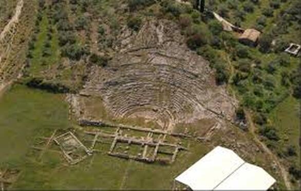 Αρχαίο Θέατρο Αιγείρας, ένας ιερός χώρος - Το μνημείο που ατενίζει τον Κορινθιακό (pics+video)