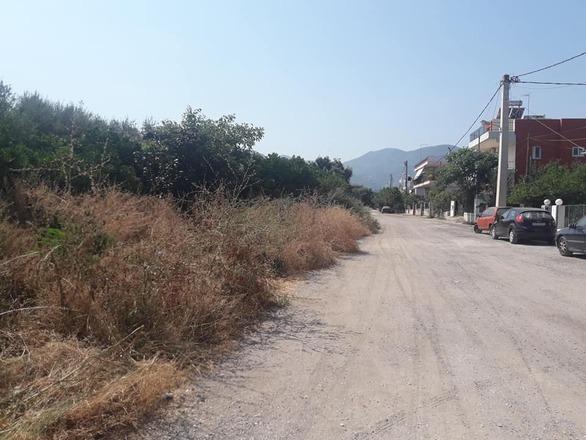 Πάτρα: Η οδός Γεωργίου Σεφέρη μόνο… ποιητική δεν είναι - Δείτε φωτό