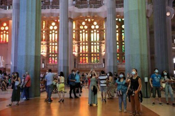 Βαρκελώνη: Η Σαγράδα Φαμίλια άνοιξε για εκείνους που βρέθηκαν στην πρώτη γραμμή κατά του κορωνοϊού (φωτο)