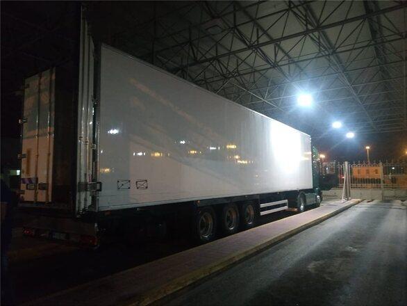 Πάτρα: Εξάρθρωση οργάνωσης που διακινούσε παράνομα αλλοδαπούς σε χώρες του εξωτερικού - Τους έκρυβαν σε φορτηγό με καρπούζια (pics+video)