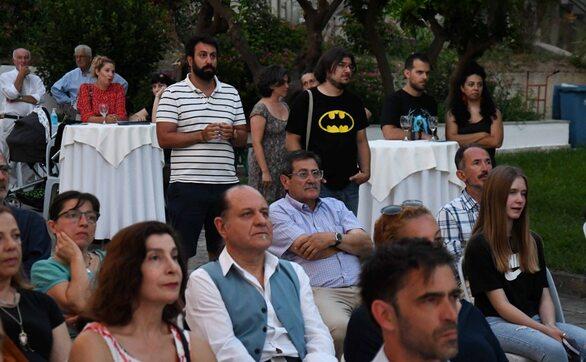 Πάτρα: Τιμήθηκαν οι εικαστικοί που συμμετείχαν στην 1η Διαδικτυακή Έκθεση της Δημοτικής Πινακοθήκης (pics)